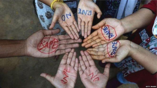 भारतमा फिल्म हेर्दा हेर्दै हलमै बलात्कार