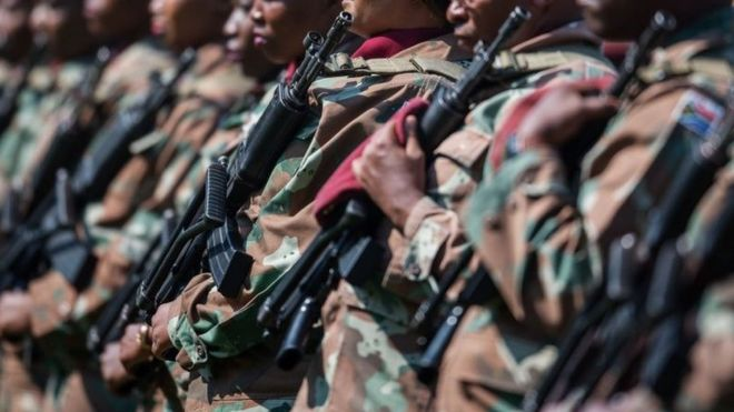 South Africa deploys army to gang-hit Cape Town - BBC News