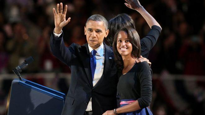 Tổng thống Obama và con gái Malia năm 2012