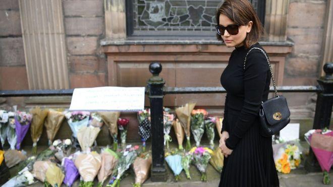 گل به یاد قربانیان