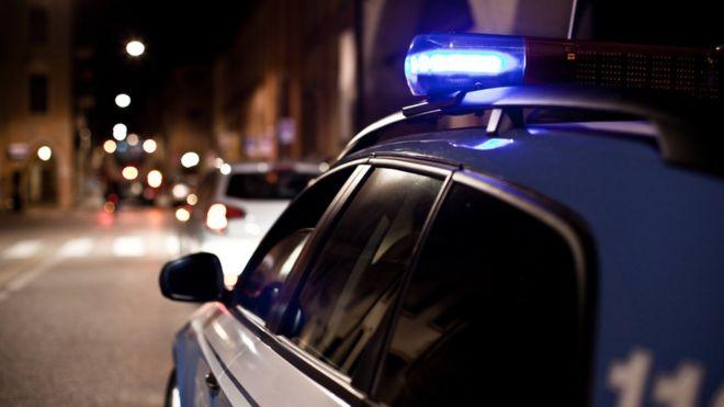 auto policial en Italia