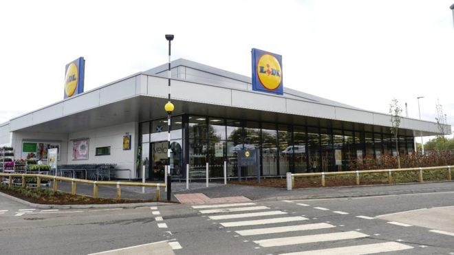 Lidl plans 500 jobs at 12 new stores in Scotland - BBC News