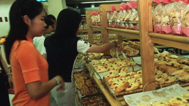เบเกอรี่เป็นหนึ่งในอาหารประเภทที่พบไขมันทรานส์ได้บ่อย ในประเทศไทย