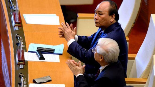 Ông Nguyễn Phú Trọng và Nguyễn Xuân Phúc đang là các lãnh đạo cao cấp của Việt Nam