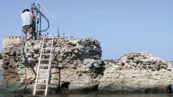Scientists examined samples from this ancient Roman pier with very high-powered X-rays (JP OLESON)