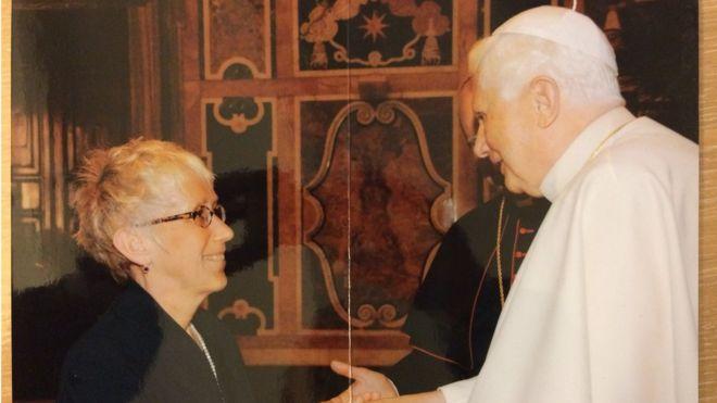 Lucetta Scaraffia con el papa Benedicto XVI.