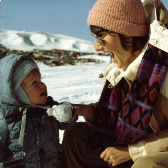 Сью Клиболд с сыном Диланом в детстве