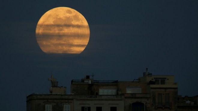 La luna vista desde Malta
