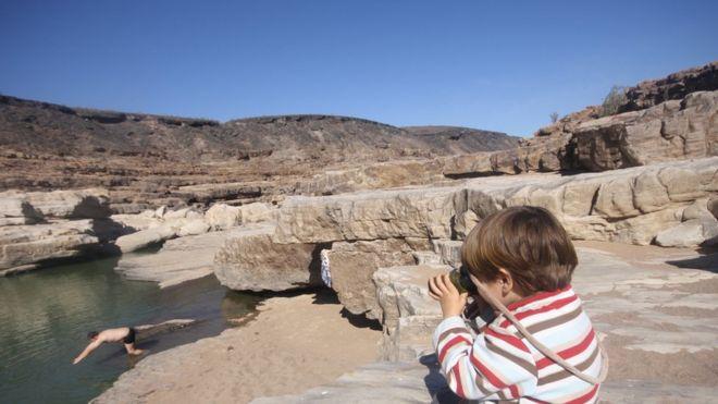 Chico na Namíbia, na África