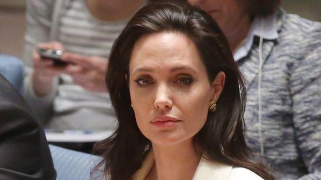 Angelina Jolie To Direct Cambodia Film For Netflix Bbc News