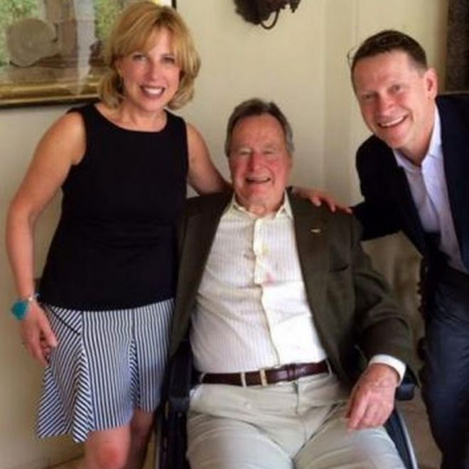 Christina Baker Kline (L) former President Bush and her husband David