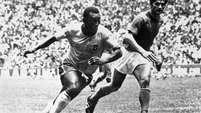 Pele in action in the 1970 World Cup final v Italy
