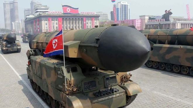 Misiles balísticos en un desfile militar este 15 de abril en Pyongyang