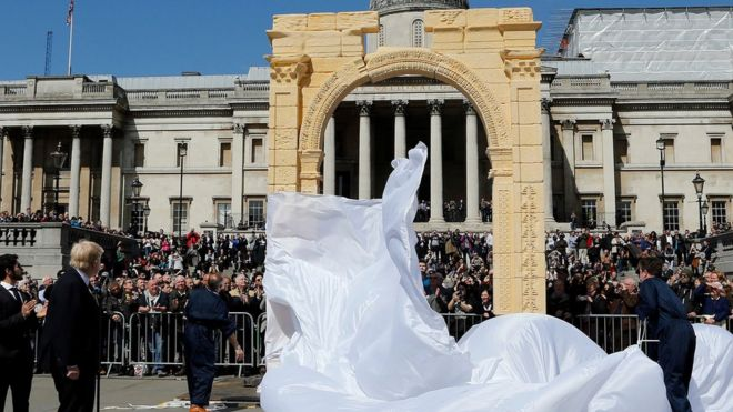 A replica of Palmyra's Arch of Triumph in London
