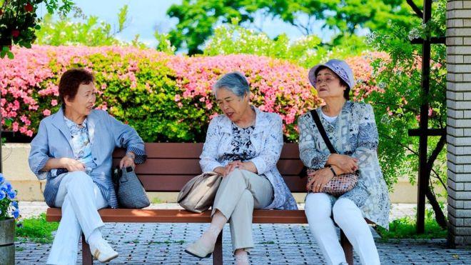 Население Японии - одно из самых старых в мире, пожилых людей здесь - более 28%
