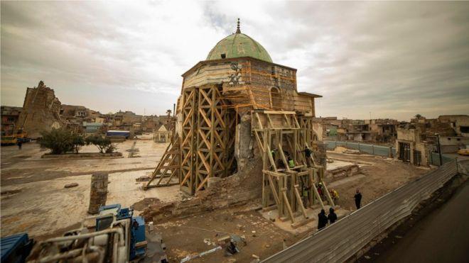 2017年,摩蘇爾的努爾大清真寺在伊拉克政府軍和伊斯蘭國交戰中被炸毀。
