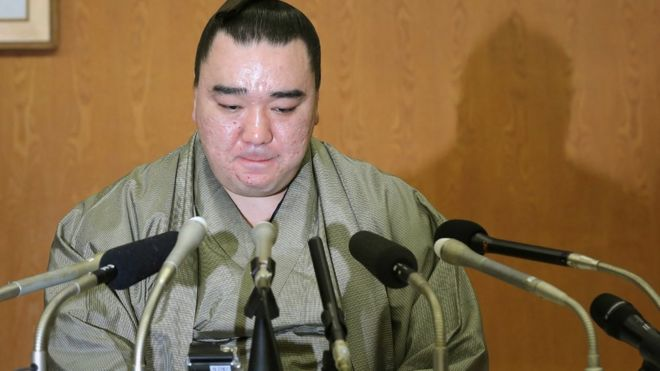 Harumafuji at a news conference