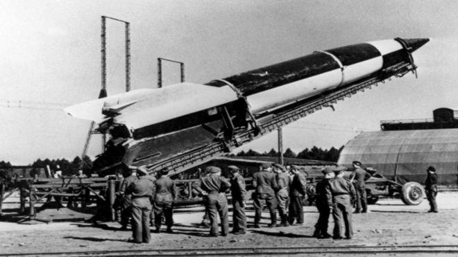 Míssil alemão em campo de testes de Peenemunde