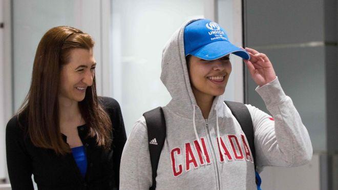 وصول رهف إلى مطار تورنتو في كندا