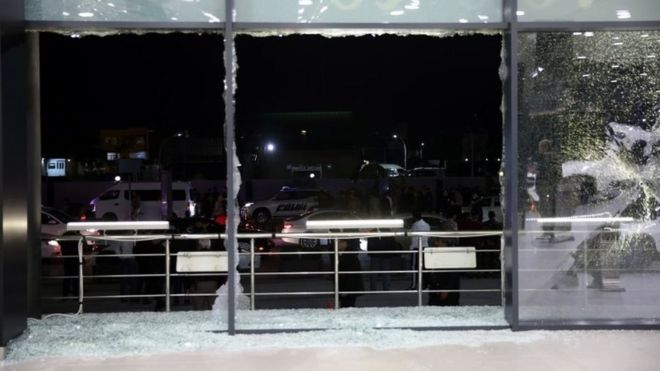 الضربات الصاروخية على أربيل ألحقت أضرارا بمطار المدينة