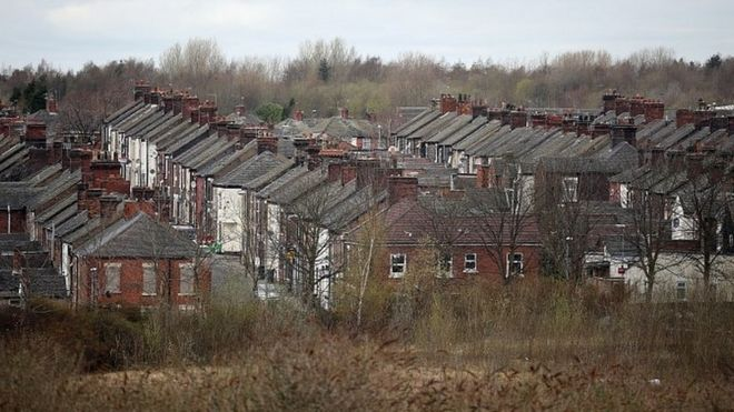 Housing: MPs back legal action against rogue landlords - BBC News