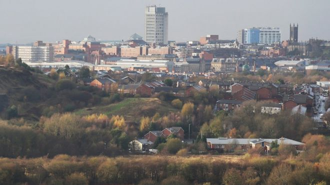 744f6ad416 Most deprived town in England is Oldham, ONS study finds - BBC News