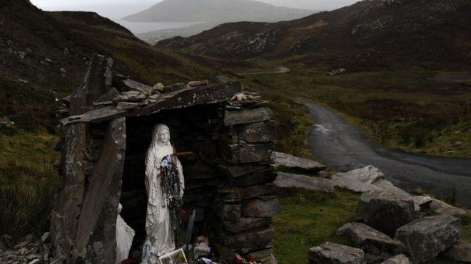 Статуя Пресвятой Девы Марии