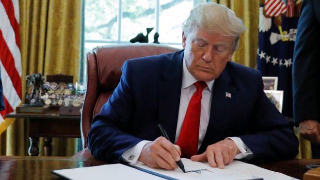 آمریکا رهبر ایران و دفتر او را تحریم کرد