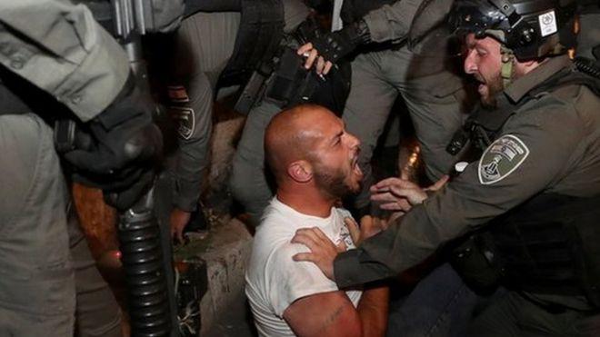 الشرطة الإسرائيلية تعتقل فلسطينيا في القدس