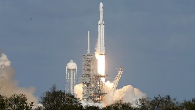 Lançamento do Falcon Heavy