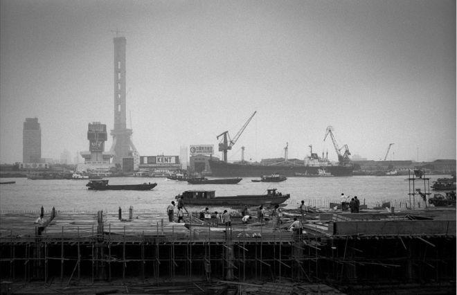 上海浦东(1985年)。
