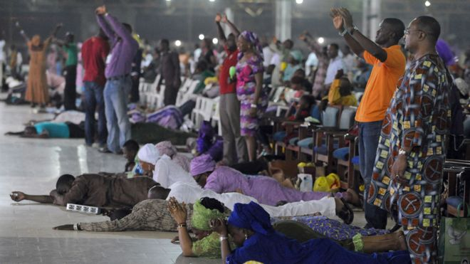 Nigerians debate giving 10% of their income to the church - BBC News