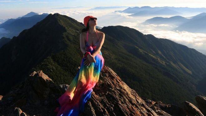 Mendaki Gunung Pakai Bikini, Wanita ini Ditemukan Tewas Membeku