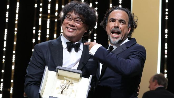 Cannes: Palme d'Or goes to Bong Joon-ho's Parasite - BBC News