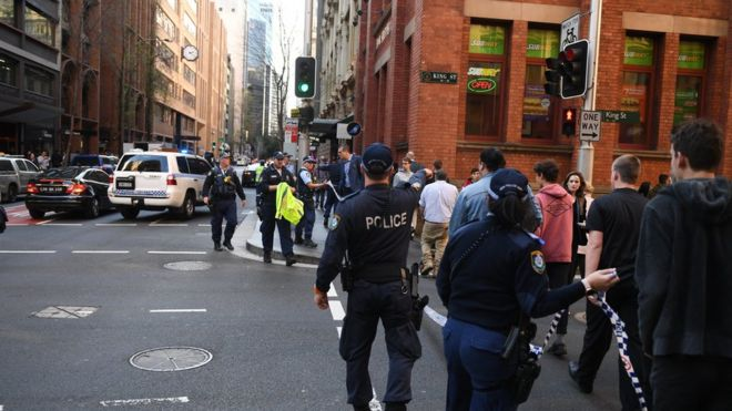 Sydney incident: Man arrested over stabbing in city centre - BBC News