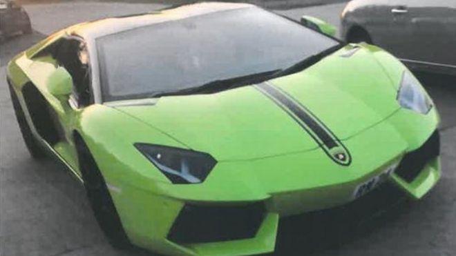 Lamborghini Owners Offer 10 000 Reward For Safe Return Bbc News