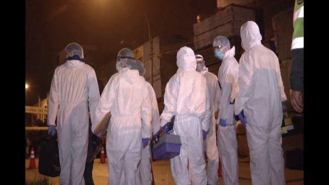 Además de los 13 fallecidos, 6 personas resultaron heridas, incluyendo 3 efectivos de la policía que intentaban auxiliar a las personas atrapadas.