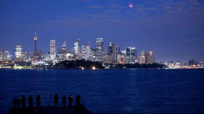Dad isugu soo baxay magaalada Sydney ee dalka Australia