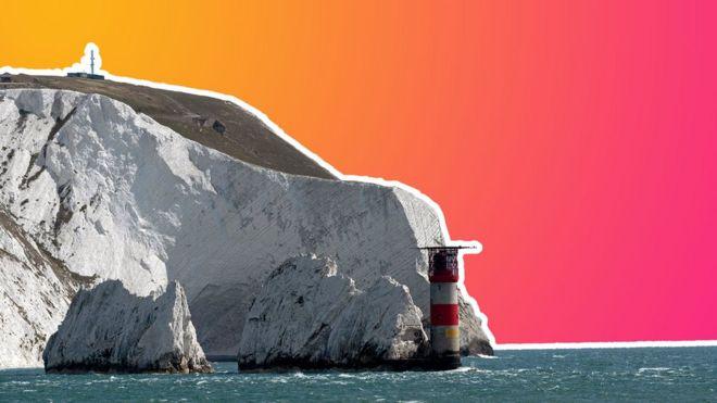 يظهر رسم توضيحي للصور الإبر والمنارة على جزيرة وايت ، مقابل مجموعة ألوان خيمة التقنية - الوردي والبرتقالي
