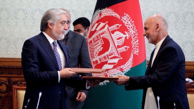 پایان ۵ ماه جنجال؛ موافقتنامه بین غنی و عبدالله امضا شد