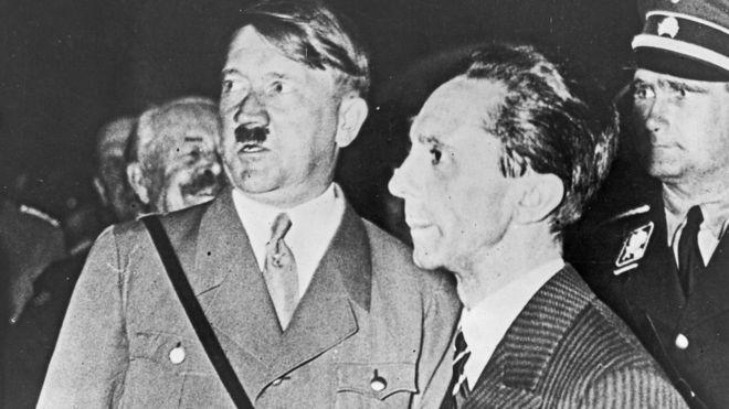 Hitler e seu ministro da Propaganda, Joseph Goebbels