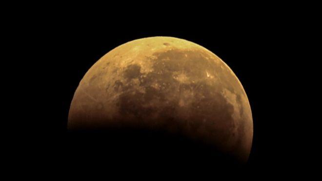 اولین ماه گرفتگی کامل ۲۰۱۹؛ چشمها برای دیدن 'ابرماه خونین' به آسمان دوخته می شود