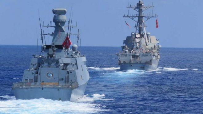 صورة أرشيفية لسفينتين حربيتين تركيتين