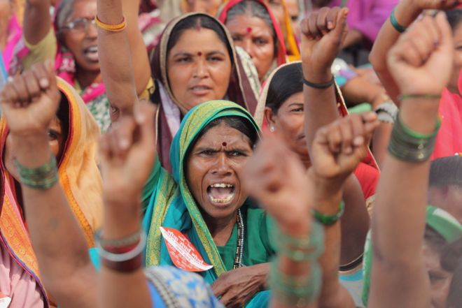 Farmers near Mumbai protesting for better compensation