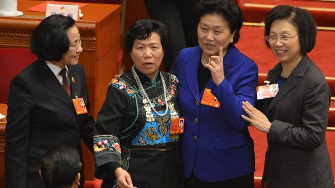 2013年3月16日,人民大會堂中的四位女性人大代表