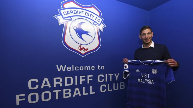 95a0f4ef1 Emiliano Sala  Search for Cardiff City FC player s plane suspended ...