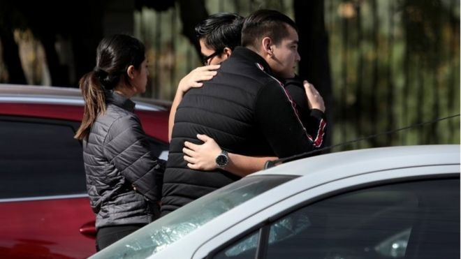 Familiares de los estudiantes del Colegio Cervantes de Torreón