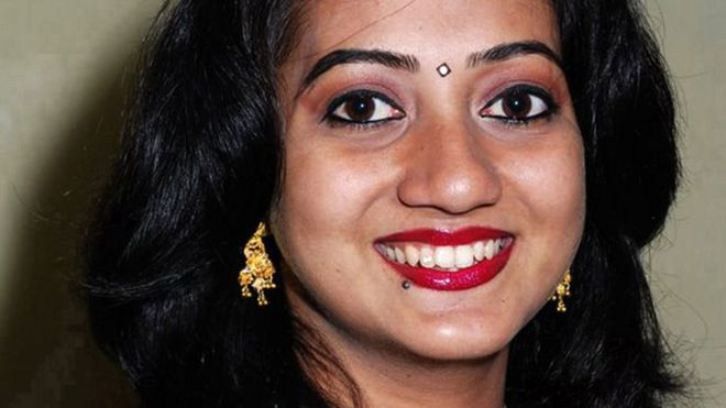 Savita Halappanavar's parents hail Irish abortion vote - BBC News