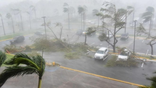 Furação atinge San Juan, capital de Porto Rico