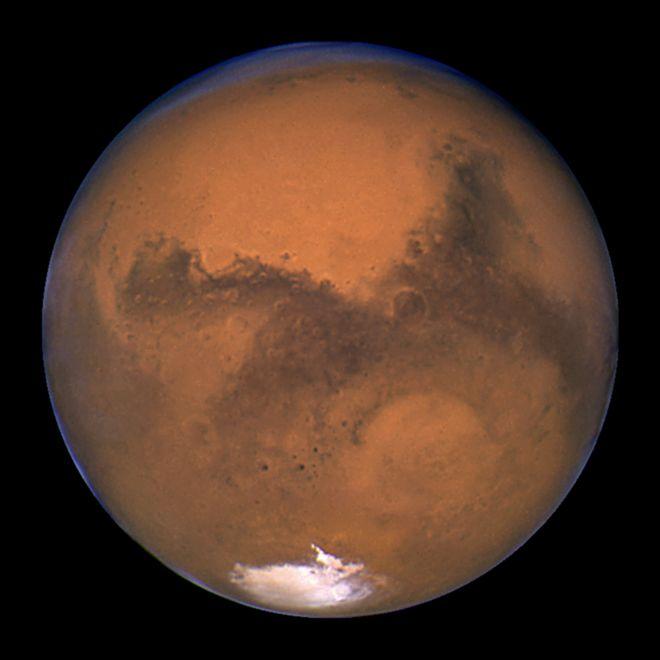 کشف 'دریاچه آب' در مریخ